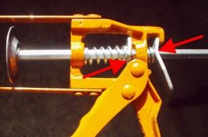 Ремонт на пистолета за силикон